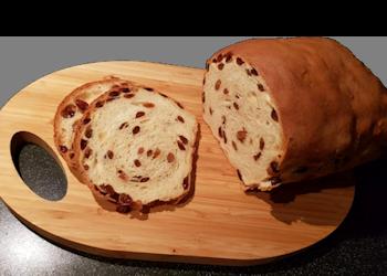 Rijk gevuld krentenbrood