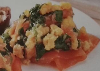 Roerei, spinazie & zalm