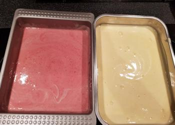 Desserts – Zelfgemaakte-Vaniliie-Aardbeienroomijs