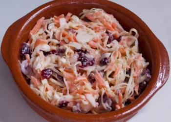 Koolsalade en cranberry's